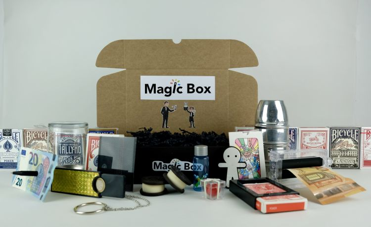 1er mois d'abonnement - Magic Box - enchère finie